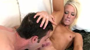 Pip, cunni et défonce vaginale au plaisir d'Alexia Sky