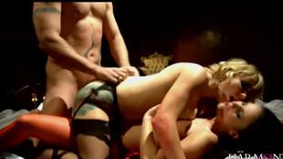 Trio sexuel d'Adrianna Nicole et Claudia Rossi
