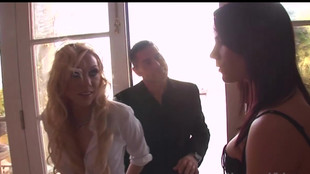 Dana Dearmond et Samantha Sin en mode trio sexuel