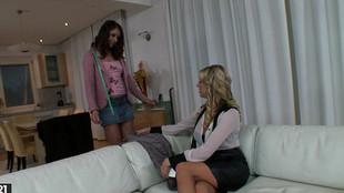 Duo lesbien avec Lexi Lowe